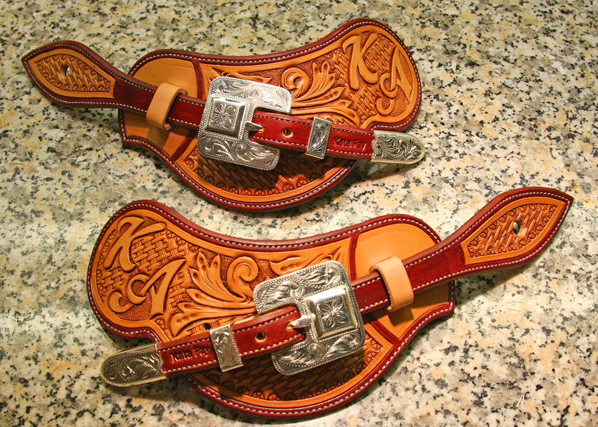 how to put straps on spurs